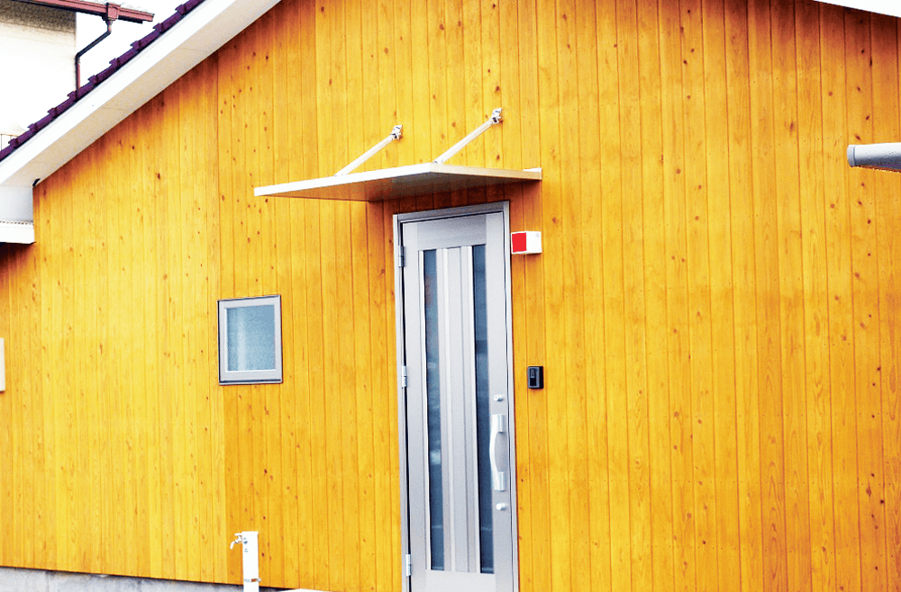 木材を贅沢に使用し、やわらかくあたたかい空間を演出